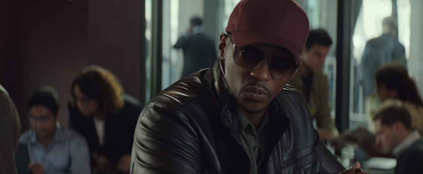 Bordeaux rode cap Anthony Mackie in Captain America: Civil War (2016)