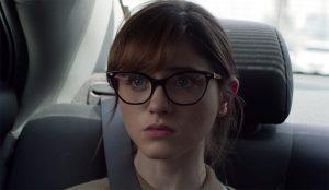 Bril Natalia Dyer in Velvet Buzzsaw (2019)