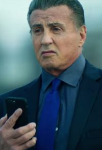 Blauwe stropdas Sylvester Stallone in Escape Plan: The Extractors